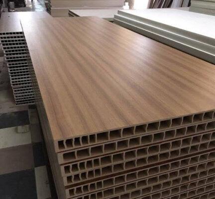 5 lý do nên chọn cửa nhựa gỗ composite