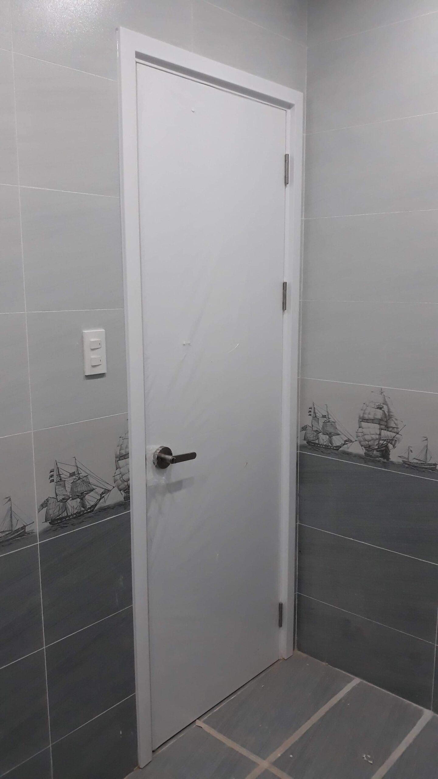 Cửa nhựa gỗ Composite - cửa chuyên dùng cho nhà vệ sinh