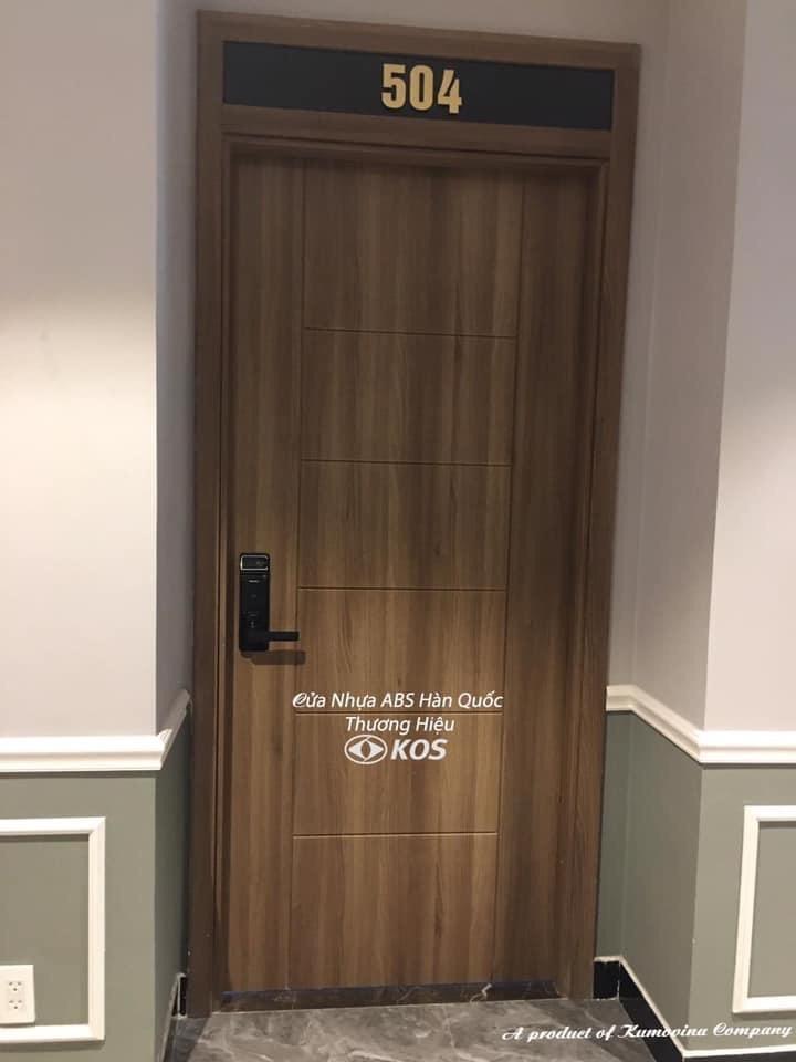 Mẫu cửa phòng ngủ đẹp tại Nha Trang