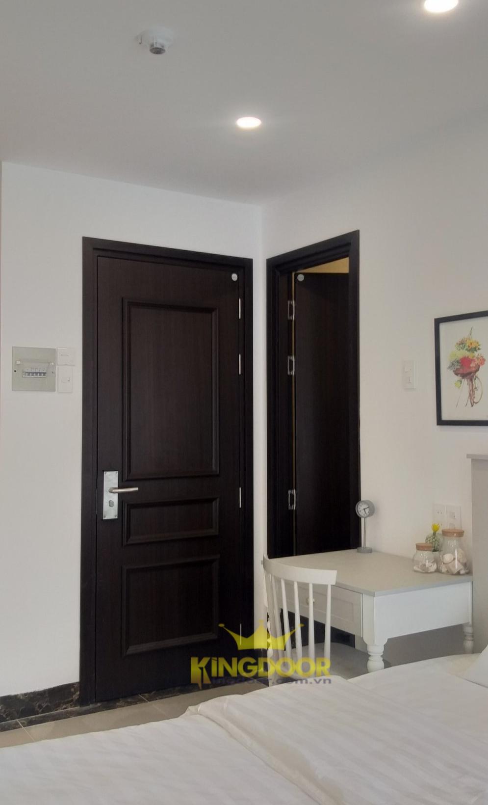 Mẫu cửa nhựa gỗ Composite tân cổ điển